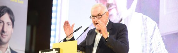ERC es juga el lideratge independentista en el cos a cos amb Puigdemont i Colau
